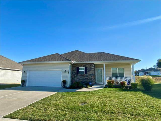 11421 Cleveland Avenue, Kansas City, KS 66109 (#2349777) :: Team Real Estate