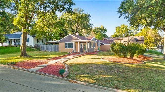 2300 W 51st Terrace, Westwood, KS 66205 (#2349797) :: Ask Cathy Marketing Group, LLC