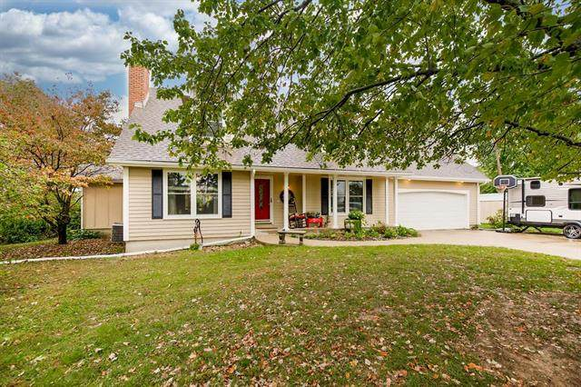 22201 E State Route 58 Highway, Pleasant Hill, MO 64080 (#2349945) :: Tradition Home Group | Compass Realty Group
