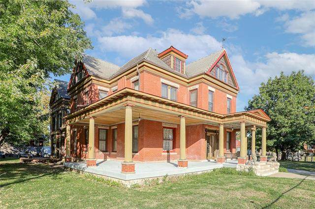 3310 Harrison Street, Kansas City, MO 64109 (#2350011) :: Team Real Estate