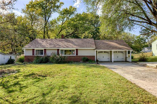 306 Bonnie Lane, Liberty, MO 64068 (#2350227) :: Ron Henderson & Associates