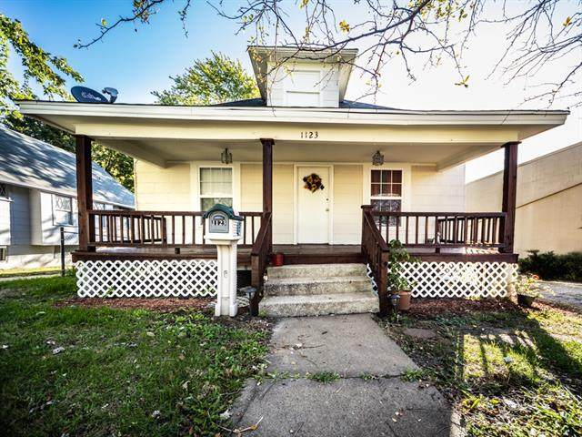 1123 S Noland Road, Independence, MO 64050 (#2350548) :: Austin Home Team