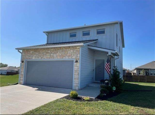 2507 Chasehire Court, Lawrence, KS 66046 (#2350662) :: Ask Cathy Marketing Group, LLC