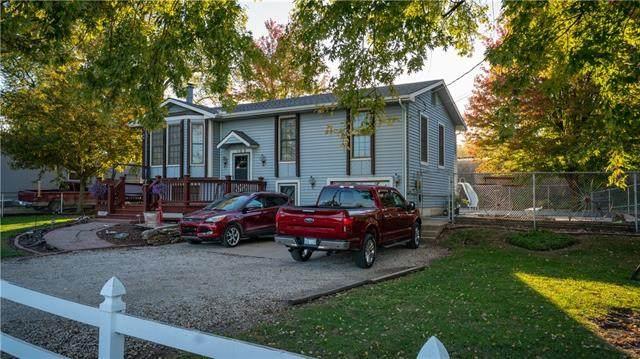 103 N Frank Street, Spring Hill, KS 66083 (#2350806) :: The Rucker Group
