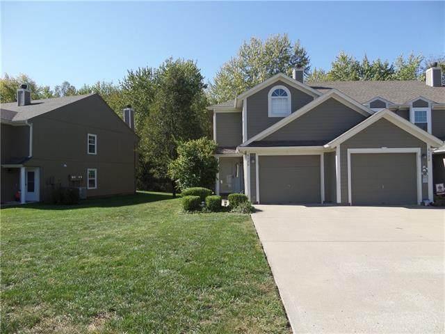 6120 NE Moonstone Court, Lee's Summit, MO 64064 (#2350875) :: Team Real Estate
