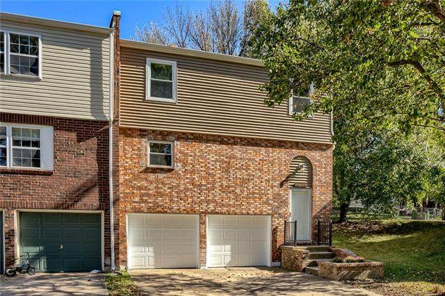 3711 NE Colonial Drive, Lee's Summit, MO 64064 (#2350959) :: Team Real Estate