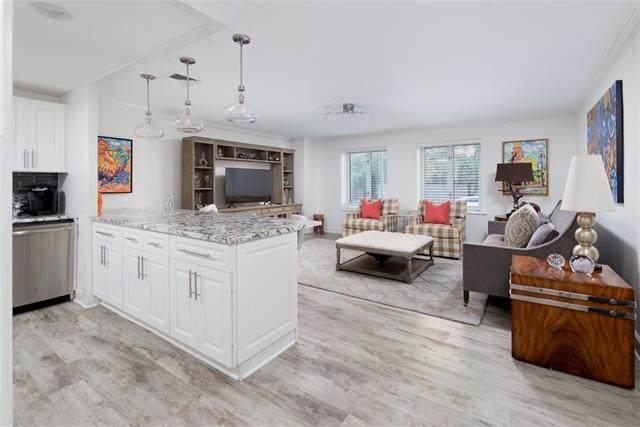 221 W 48th Street #106, Kansas City, MO 64112 (#2351377) :: Team Real Estate
