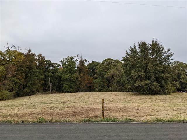 38502 E Parrent Road, Oak Grove, MO 64075 (#2351429) :: Dani Beyer Real Estate