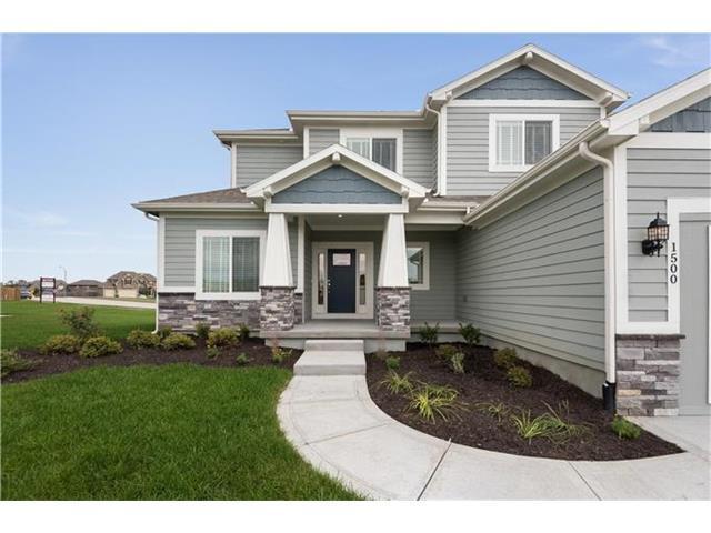 1500 SW Cross Creek Drive, Lee's Summit, MO 64082 (#1986848) :: Char MacCallum Real Estate Group