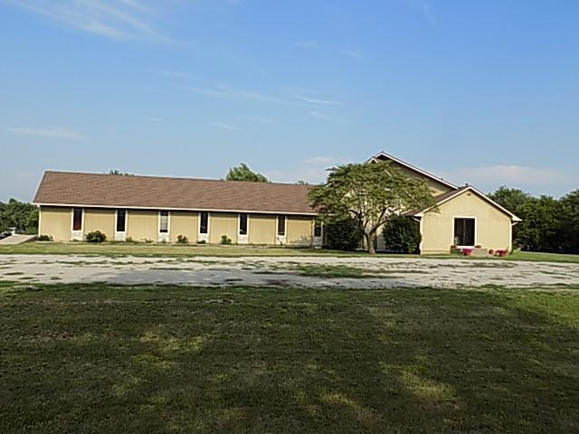 1102 E Grand Avenue, Cameron, MO 64429 (#2049702) :: NestWork Homes