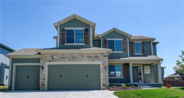 1528 SW Cross Creek Drive, Lee's Summit, MO 64082 (#2060451) :: Char MacCallum Real Estate Group