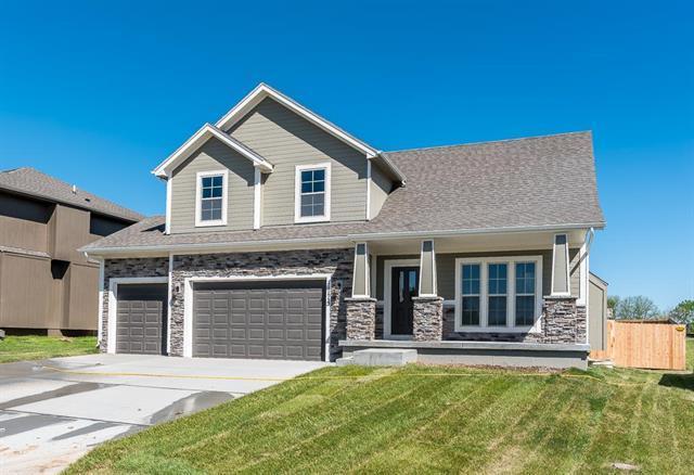 11119 Kimball Avenue, Kansas City, KS 66109 (#2060983) :: Team Real Estate