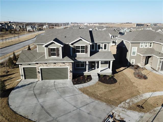 8606 W 166 Court, Overland Park, KS 66085 (#2064460) :: The Shannon Lyon Group - Keller Williams Realty Partners