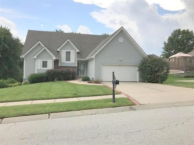 18205 E 30th Terrace Court, Independence, MO 64057 (#2065204) :: No Borders Real Estate