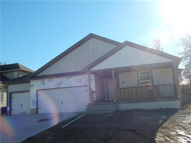 25401 E 30th Terrace, Blue Springs, MO 64015 (#2071571) :: No Borders Real Estate