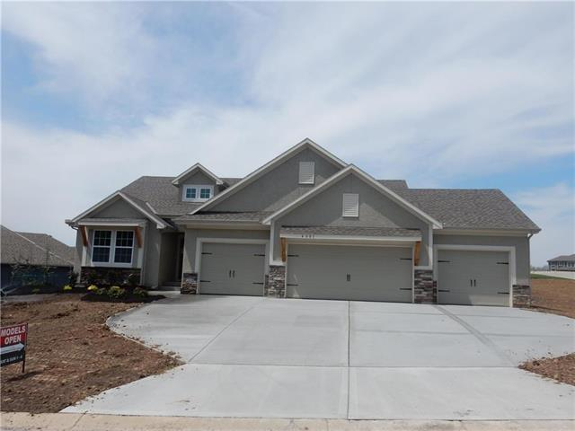 4801 SW Marguerite Street, Blue Springs, MO 64015 (#2082872) :: The Shannon Lyon Group - ReeceNichols