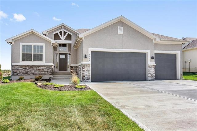 1214 Buckingham Court, Raymore, MO 64083 (#2084101) :: The Shannon Lyon Group - ReeceNichols