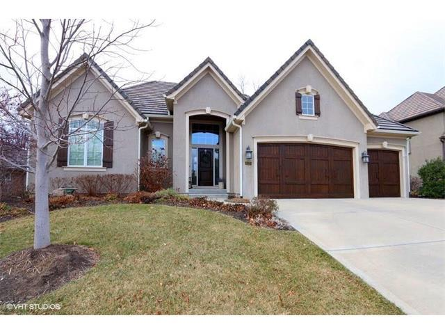 6120 Southlake Drive, Parkville, MO 64152 (#2084526) :: Tradition Home Group