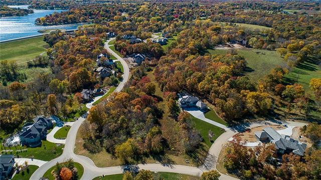 4830 NW Canyon Road, Lee's Summit, MO 64064 (#2086169) :: No Borders Real Estate