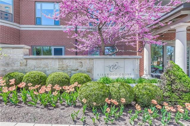 4900 Central Street #202, Kansas City, MO 64112 (#2086358) :: Char MacCallum Real Estate Group