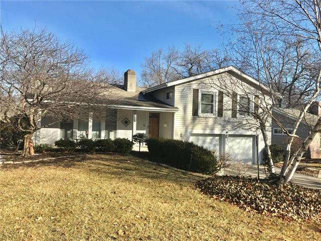 3820 W 52nd Street, Roeland Park, KS 66205 (#2086753) :: Edie Waters Team