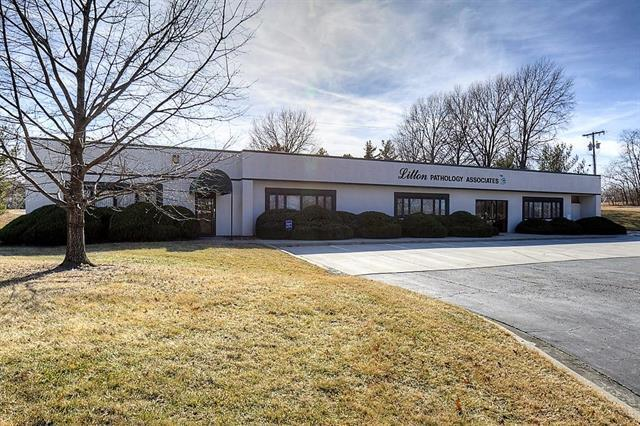 700 NW Hunter Drive, Blue Springs, MO 64015 (#2090375) :: The Shannon Lyon Group - ReeceNichols