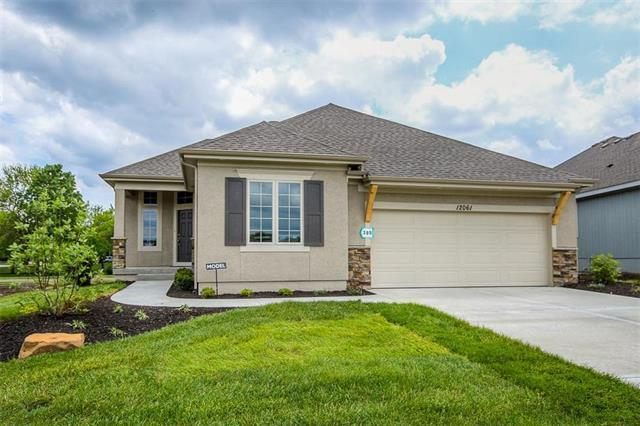 12061 W 138th Court, Overland Park, KS 66221 (#2093085) :: Clemons Home Team/ReMax Innovations