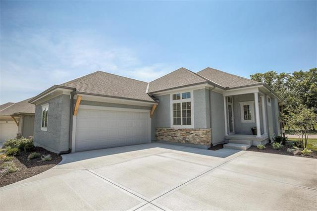 12065 W 138th Court, Overland Park, KS 66221 (#2093099) :: Clemons Home Team/ReMax Innovations