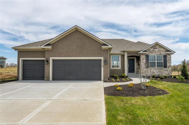 21119 W 190th Terrace, Spring Hill, KS 66083 (#2093161) :: House of Couse Group