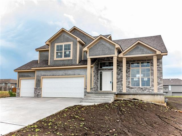 506 Wright Street, Pleasant Hill, MO 64080 (#2094715) :: Edie Waters Network