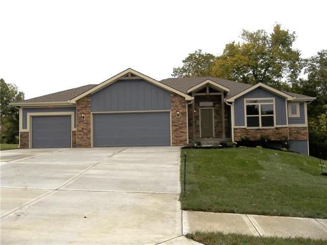910 Old Stage Road, Pleasant Hill, MO 64080 (#2095407) :: Edie Waters Network