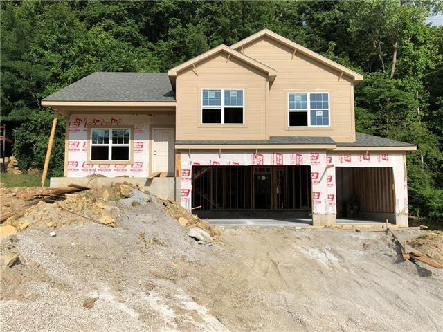 5740 NW Michaels Cove Street, Parkville, MO 64152 (#2098571) :: Edie Waters Network