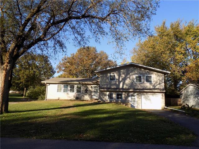211 N Lincoln Street, Garnett, KS 66032 (#2099027) :: Char MacCallum Real Estate Group