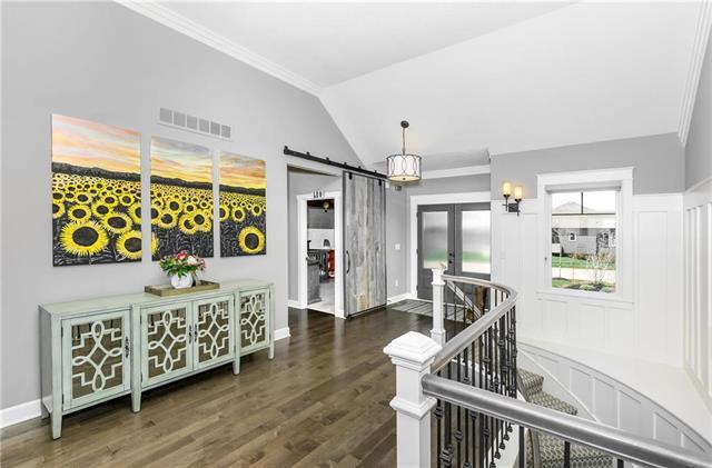 9649 Carbondale Street, Lenexa, KS 66227 (#2099937) :: Char MacCallum Real Estate Group
