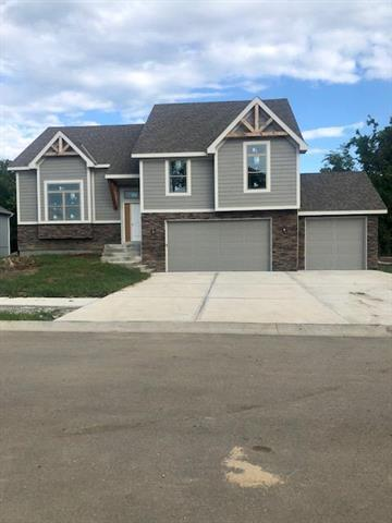 1407 NW Red Oak Court, Grain Valley, MO 64029 (#2099945) :: Edie Waters Network