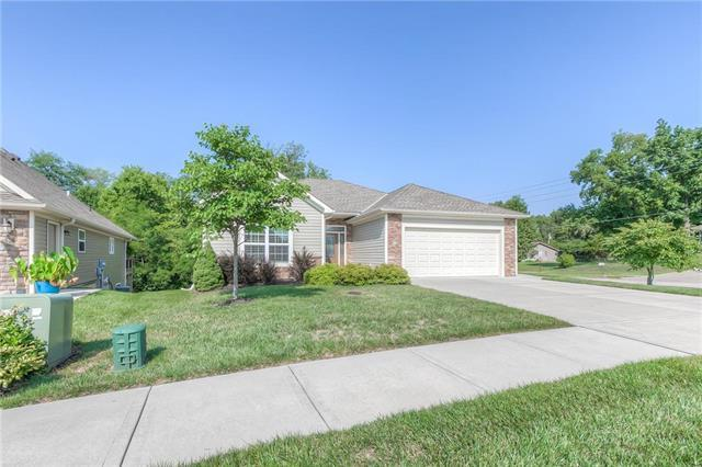 99 Continental Drive, Lansing, KS 66043 (#2102187) :: Edie Waters Network