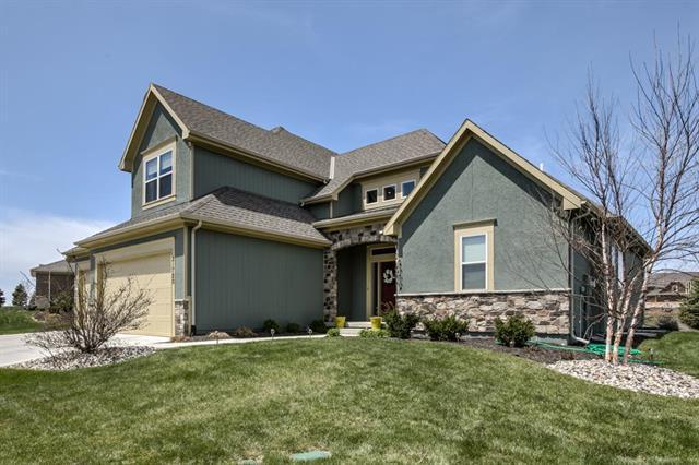21720 W 82nd Terrace, Lenexa, KS 66220 (#2103733) :: Char MacCallum Real Estate Group
