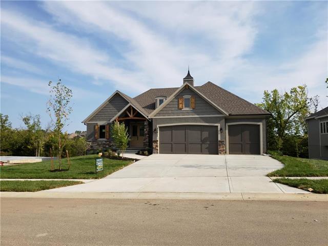 25811 W 96th Terrace, Lenexa, KS 66227 (#2103877) :: Char MacCallum Real Estate Group