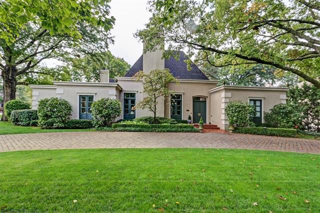 2701 W 69th Street, Mission Hills, KS 66208 (#2105083) :: NestWork Homes