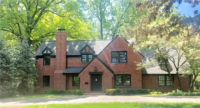 2509 W 63rd Street, Mission Hills, KS 66208 (#2105905) :: The Shannon Lyon Group - ReeceNichols