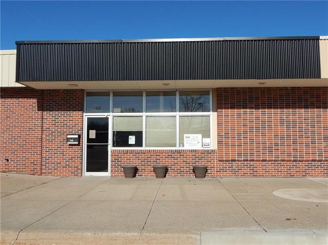 614 Holiday Plaza, Lansing, KS 66043 (#2105988) :: The Shannon Lyon Group - ReeceNichols
