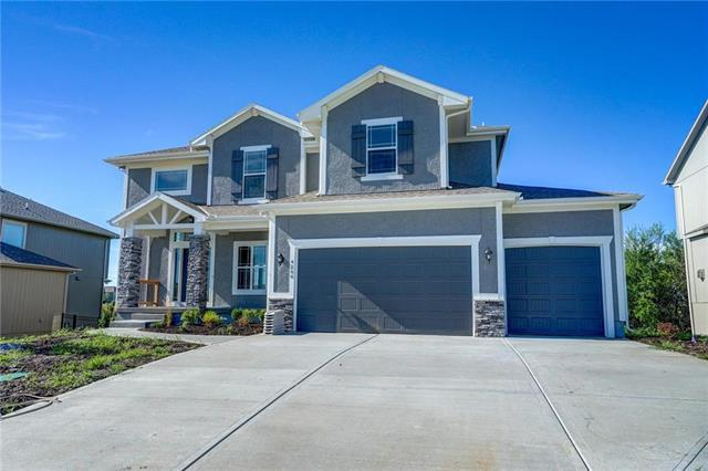 4260 SW Stoney Brook Drive, Lee's Summit, MO 64082 (#2106709) :: Char MacCallum Real Estate Group