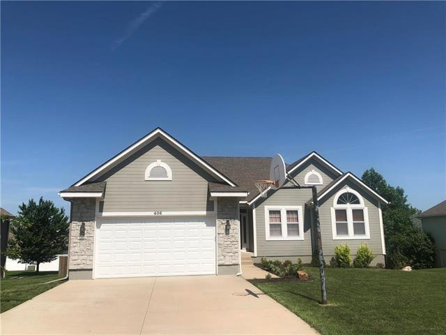 406 Bayview Drive, Raymore, MO 64083 (#2108392) :: Edie Waters Network