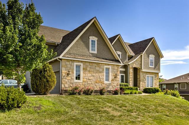23918 W 70th Terrace, Shawnee, KS 66226 (#2109611) :: Edie Waters Network