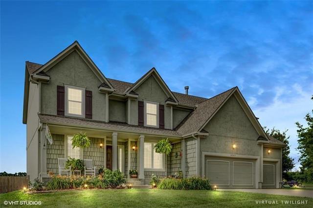 8263 W 263 Street, Louisburg, KS 66053 (#2111423) :: Edie Waters Network