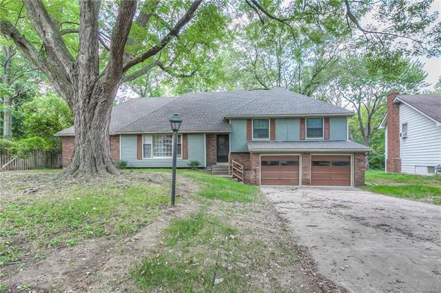 10912 Bellaire Avenue, Kansas City, MO 64134 (#2111950) :: Edie Waters Network