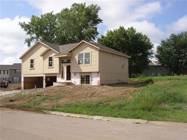 12734 Lowell Avenue, Grandview, MO 64030 (#2111963) :: Edie Waters Network