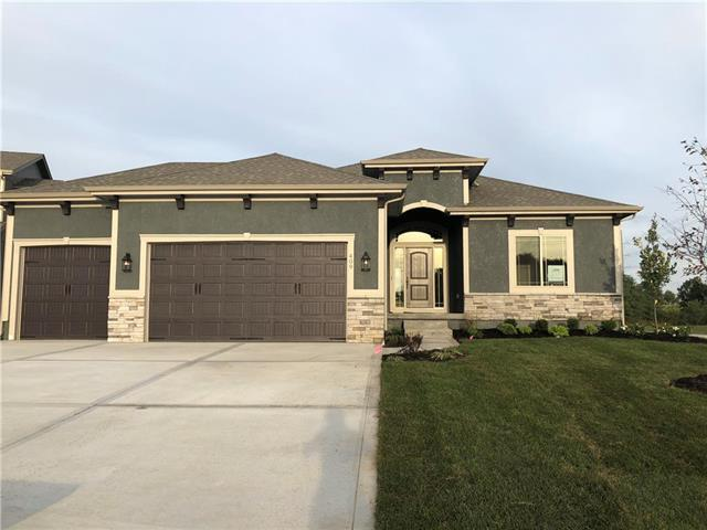 409 SE Weiss Circle, Lee's Summit, MO 64063 (#2112445) :: Char MacCallum Real Estate Group