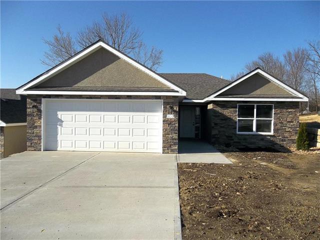905 Ingleside Drive, Pleasant Hill, MO 64080 (#2112727) :: No Borders Real Estate