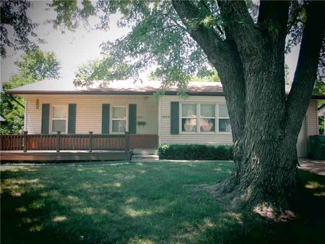 1600 S Main Street, Harrisonville, MO 64701 (#2113553) :: Edie Waters Network